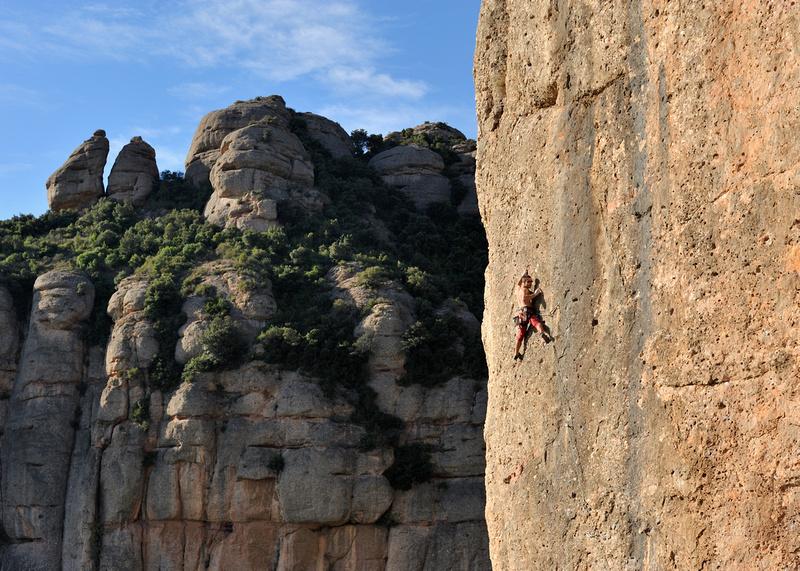 Escalada esportiva a la muntanya de Montserrat (Vermell del Xincarró) :: Escalada deportiva en la montaña de Montserrat (Vermell del Xincarró) :: Sport climbing in the mountain of Montserrat (Vermell