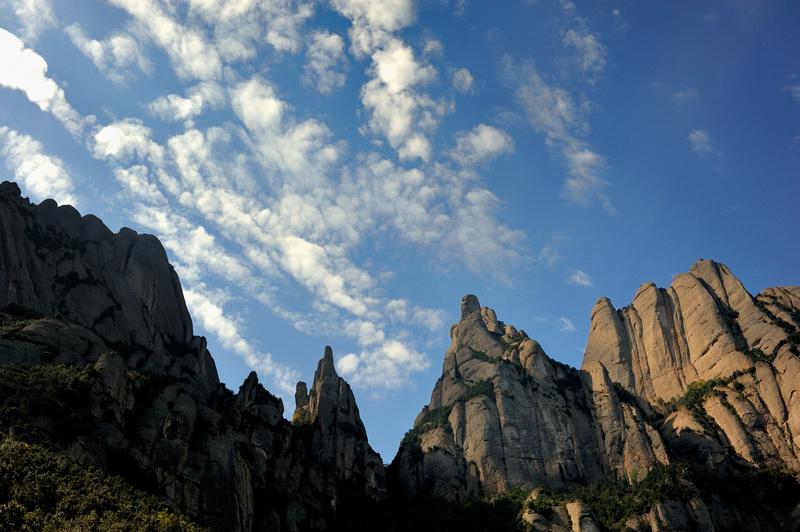 Cara nord de Sant Jeroni i els Ecos a la muntanya de Montserrat :: Cara norte de Sant Jeroni y Ecos en la montaña de Montserrat :: North face of Sant Jeroni and Ecos in the Montserrat Mountain